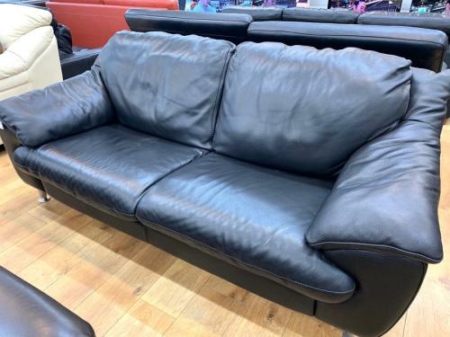 家具のレザーソファー