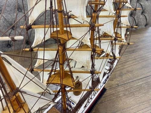 模型の木製帆船