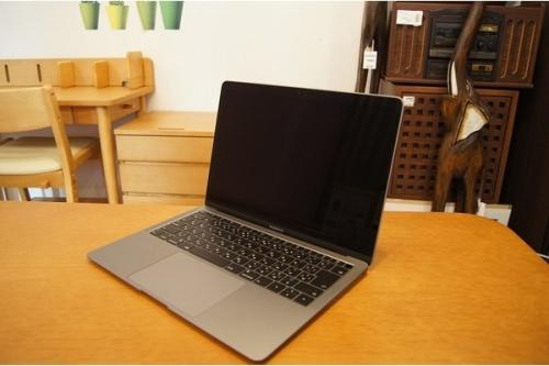 ノートパソコンのMacBook Air