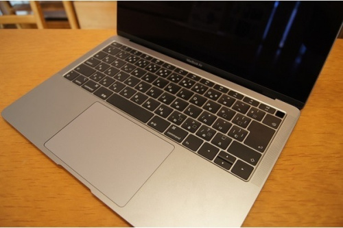 MacBook AirのApple