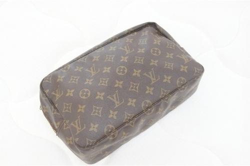 レディースファッションのバッグ LOUIS VUITTON