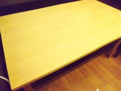 ACTUSのダイニングテーブル