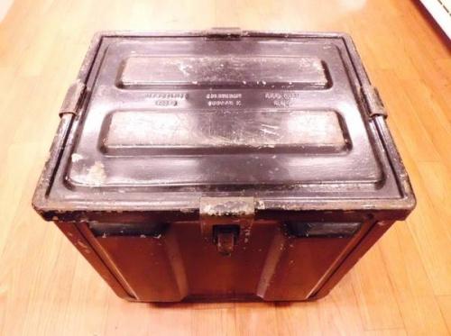 インテリアの弾薬箱