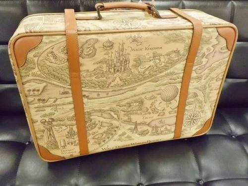 バッグのトランク