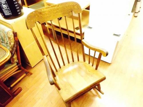 家具・インテリアのロッキングチェア
