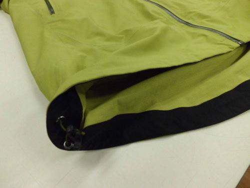 AIGLEのシェルジャケット