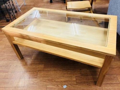 家具・インテリアのガラステーブル