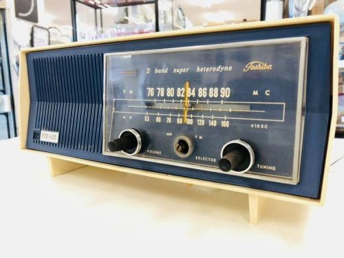置物の真空管ラジオ