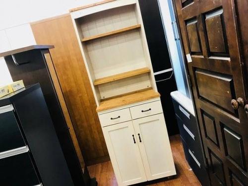 家具の食器棚