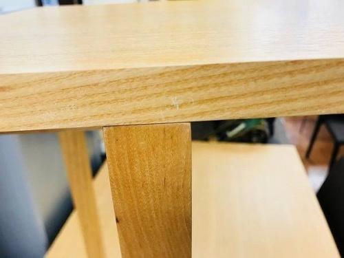サイドテーブルのACTUS