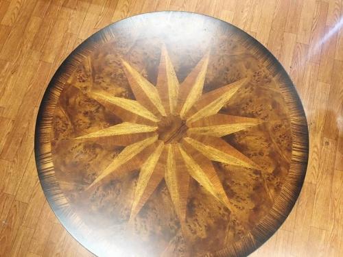 鎌倉 家具のラウンドテーブル