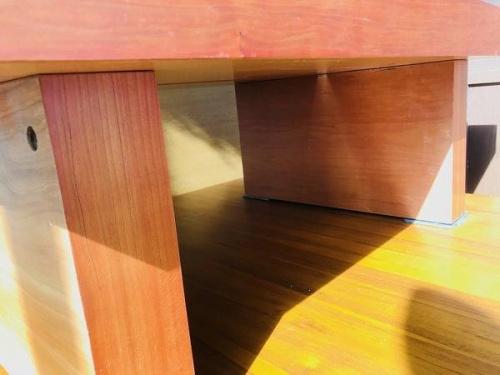 鎌倉 家具のテーブル