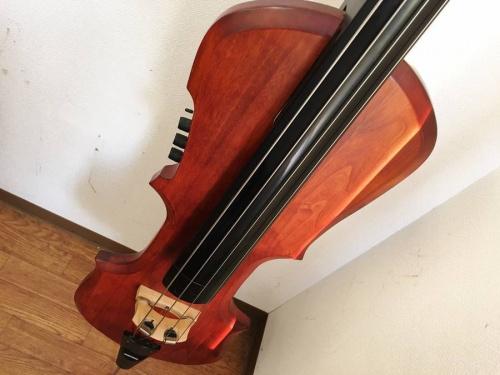 鎌倉 楽器のアップライトベース