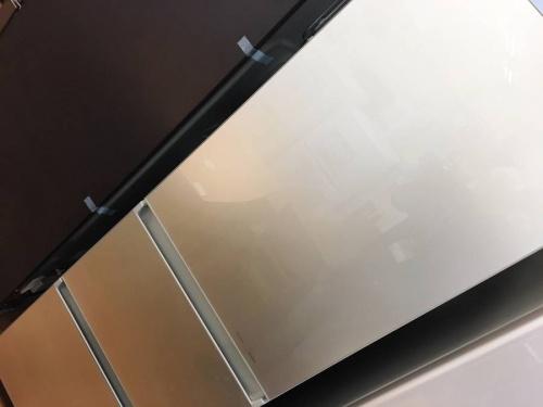 キッチン家電の3ドア冷蔵庫