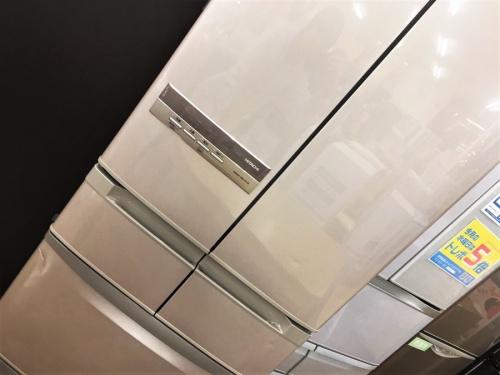キッチン家電の6ドア冷蔵庫