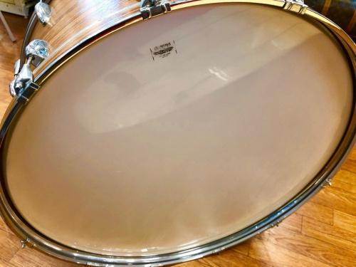 楽器のベースドラム