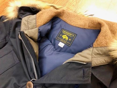 ジャケットのPHERROW'S