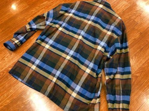 シャツのイートウツ