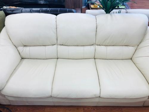 2人掛けソファーの新生活 家具