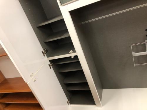 中古家具のテレビボード