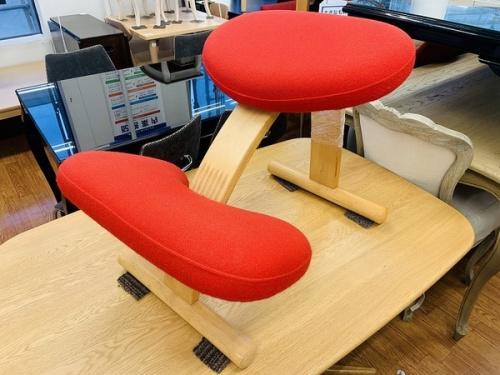 家具のバランスチェア