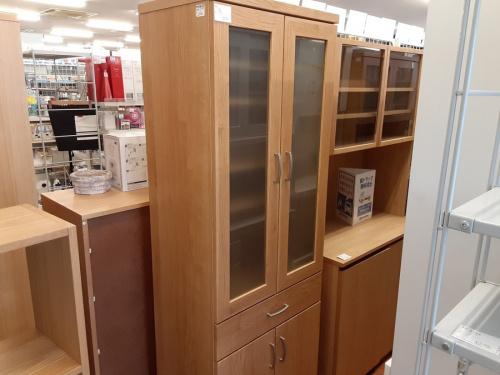 生活家具の食器棚