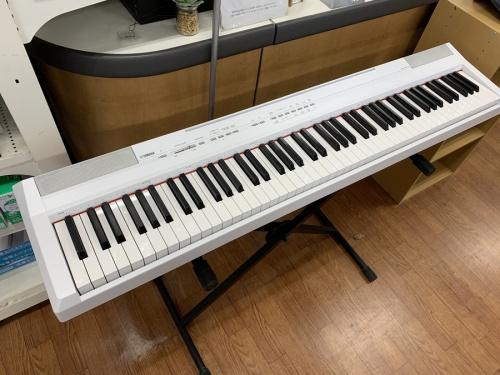 中古楽器店の電子ピアノ
