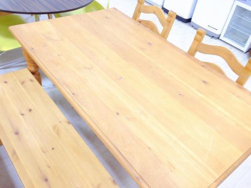 家具のベンチダイニング