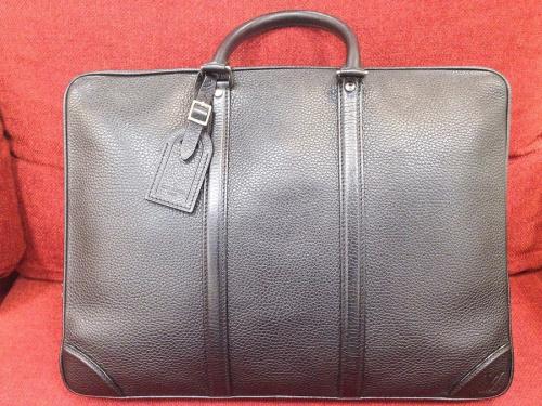 ビジネスバッグのレザー