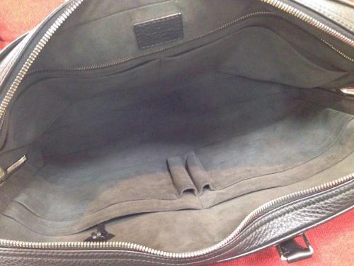 ロックキー付きの中古バッグ