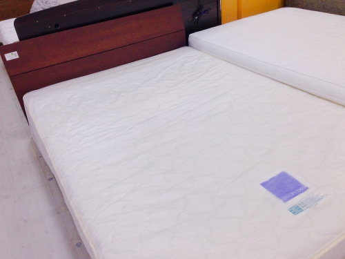 クイーンベッドのシングルベッド