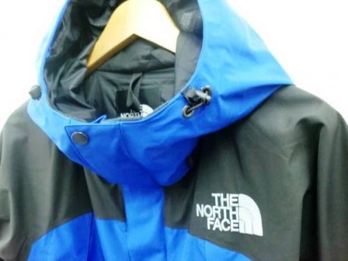 ジャケットのTHE NORTH FACE