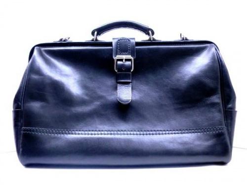メンズファッションのレザーバッグ
