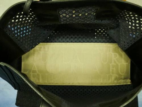 カジュアルバッグのFURLA