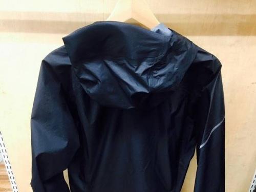 ジャケットのレインジャケット