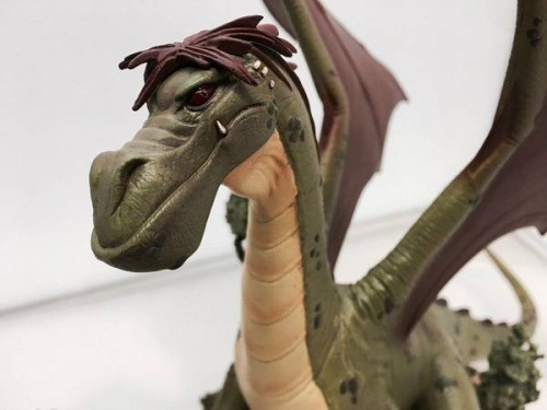フィギュアのDisney Dragonkind