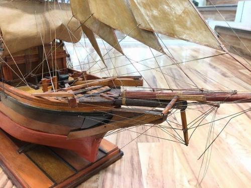 置物の帆船
