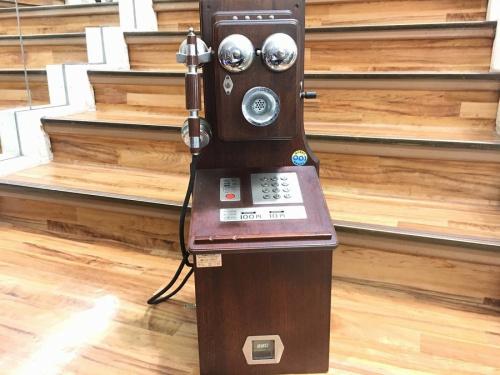 アンティーク雑貨の電話機