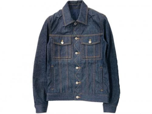 ジャケットのデニムジャケット