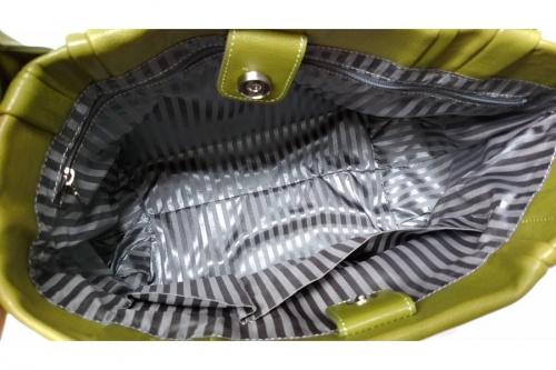 バッグのトートバッグ