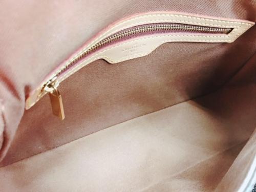モノグラムのハンドバッグ