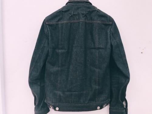 スターのデニムジャケット