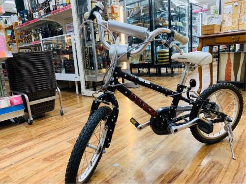スポーツ用品の子供用自転車