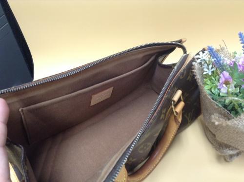 ポパンクールのハンドバッグ
