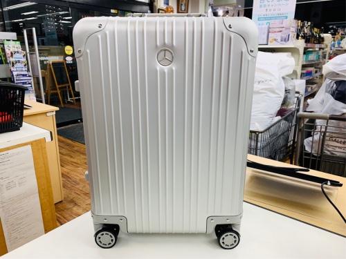ビジネスアイテムのスーツケース