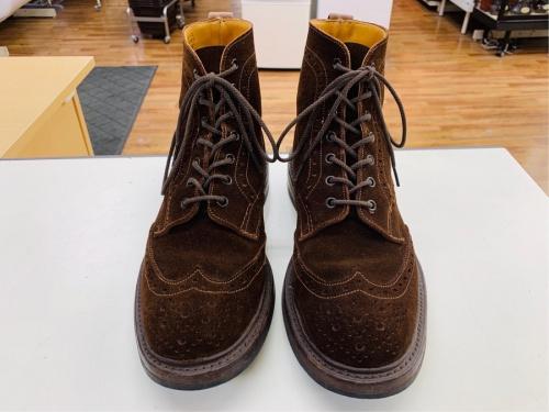 ブーツのウィングチップブーツ