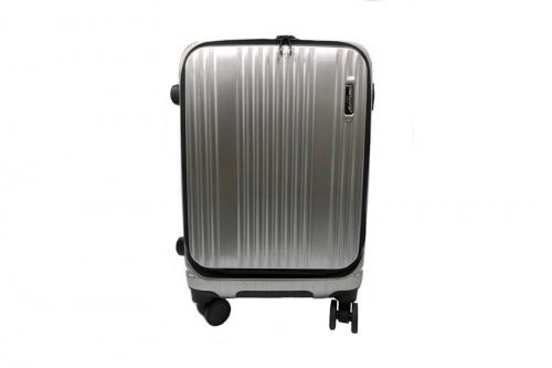 メンズファッションのスーツケース
