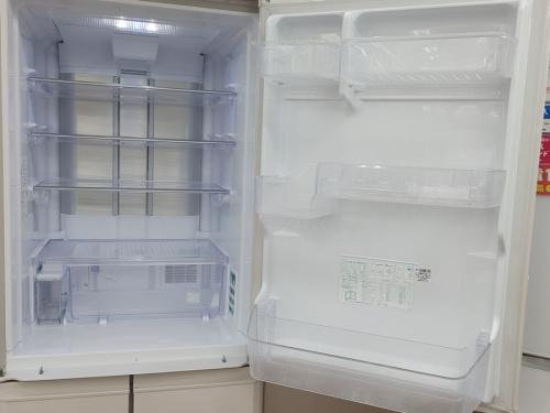 5ドア冷蔵庫のシャープ