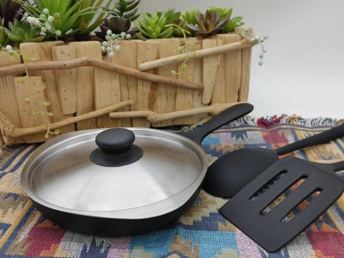 キッチン雑貨のフライパン