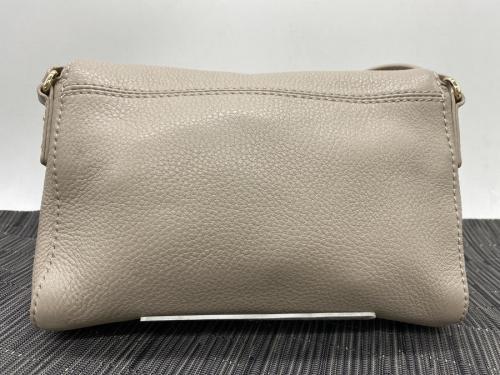 バッグのマグネットフラップショルダーバッグ